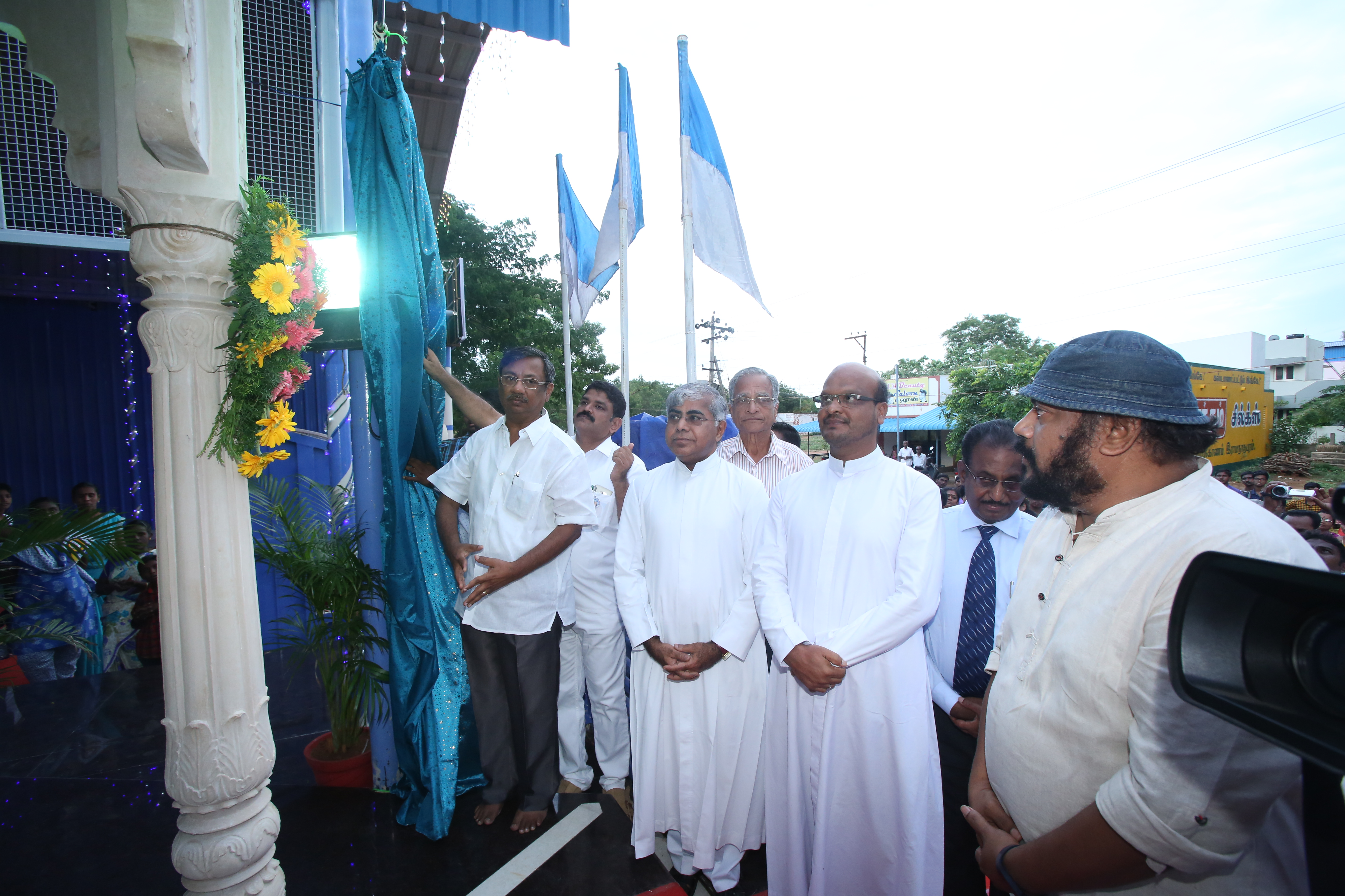 Thiru. Louis Adaikala Raj unveiled the Life Size statue of St. Mother Teresa